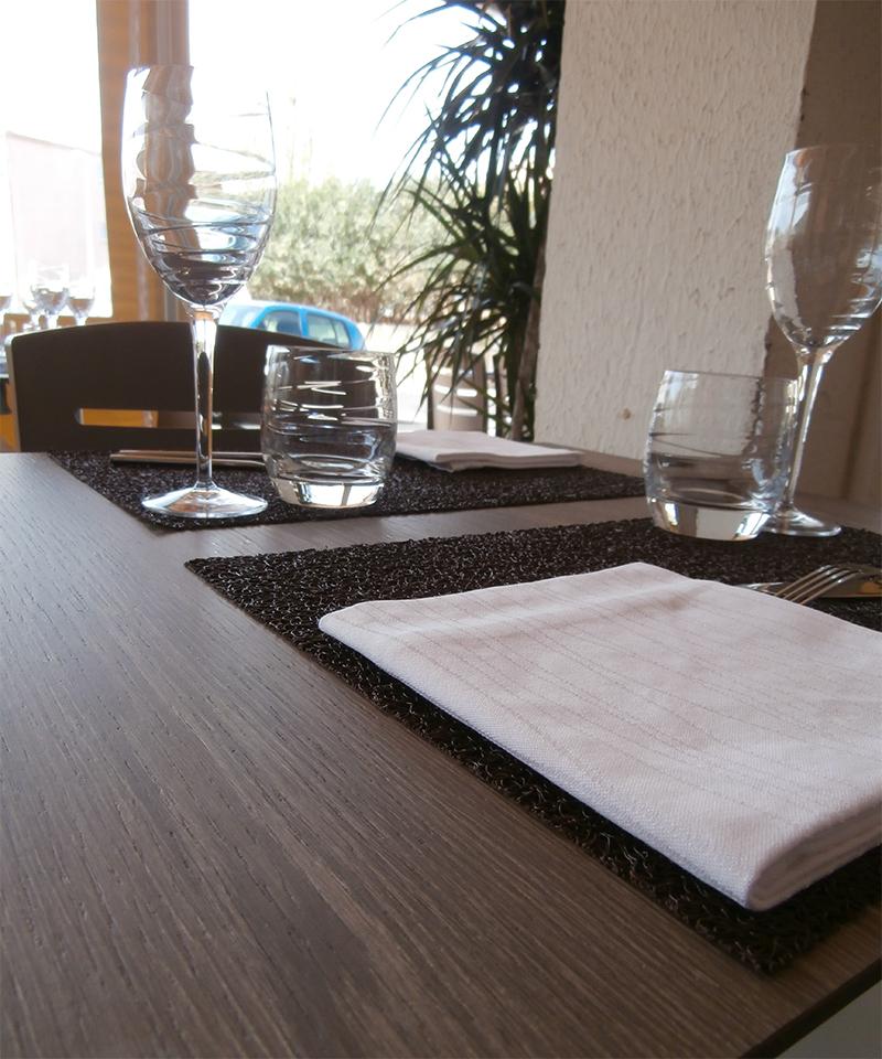 l 39 ardoise du march restaurant au grau d 39 agde. Black Bedroom Furniture Sets. Home Design Ideas